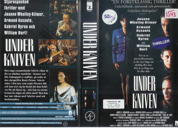 UNDER KNIVEN